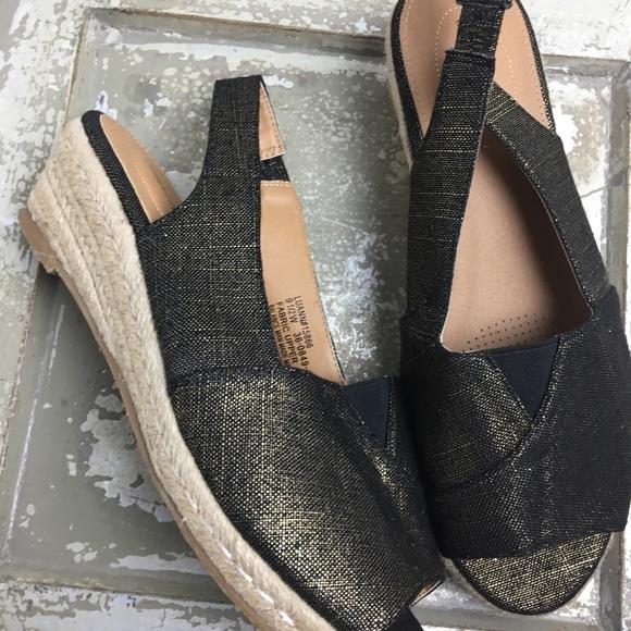 5b7545042241 comfort view Shoes - SZ 9.5 Espadrille Style Flat Slingbacks wedge